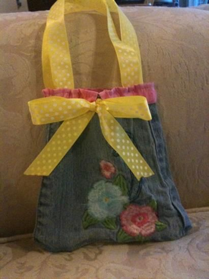 A kid's purse from Jeans. Super easy (I made one last night!)