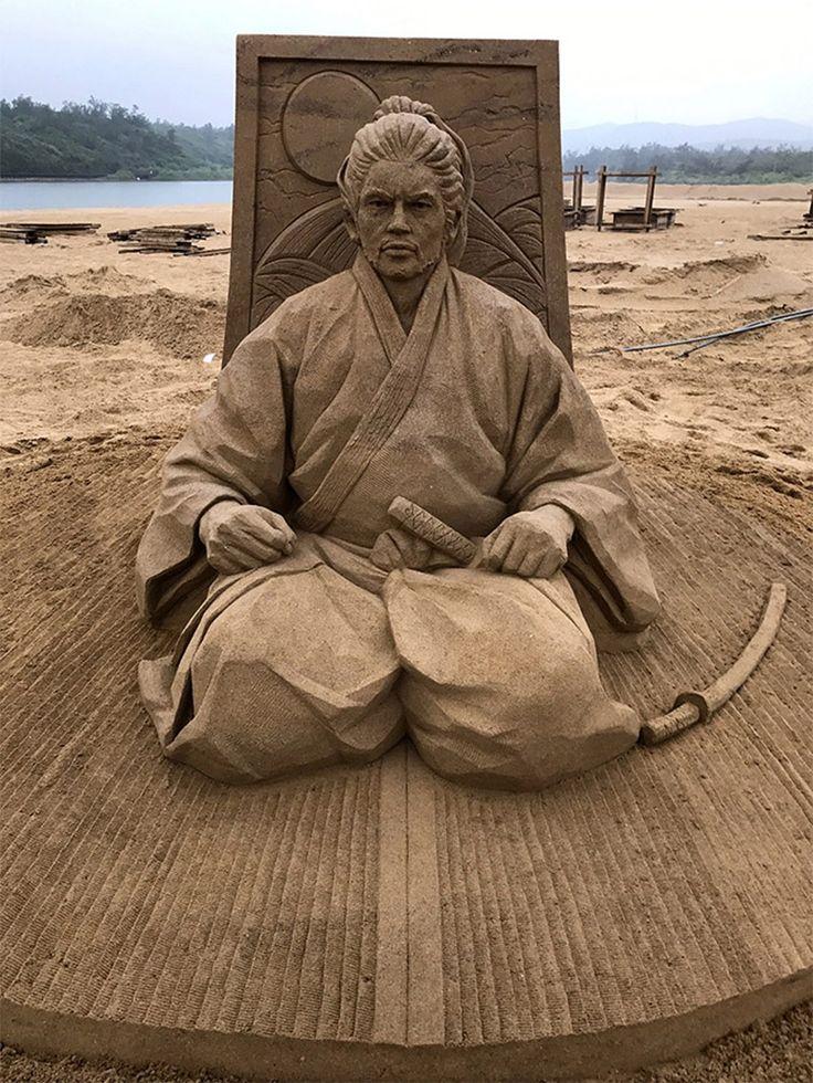 The Incredible Sand Sculptures of Toshihiko Hosaka