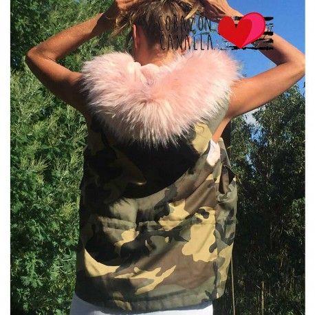 Chaleco militar mujer con pelo rosa en corazoncanalla.com