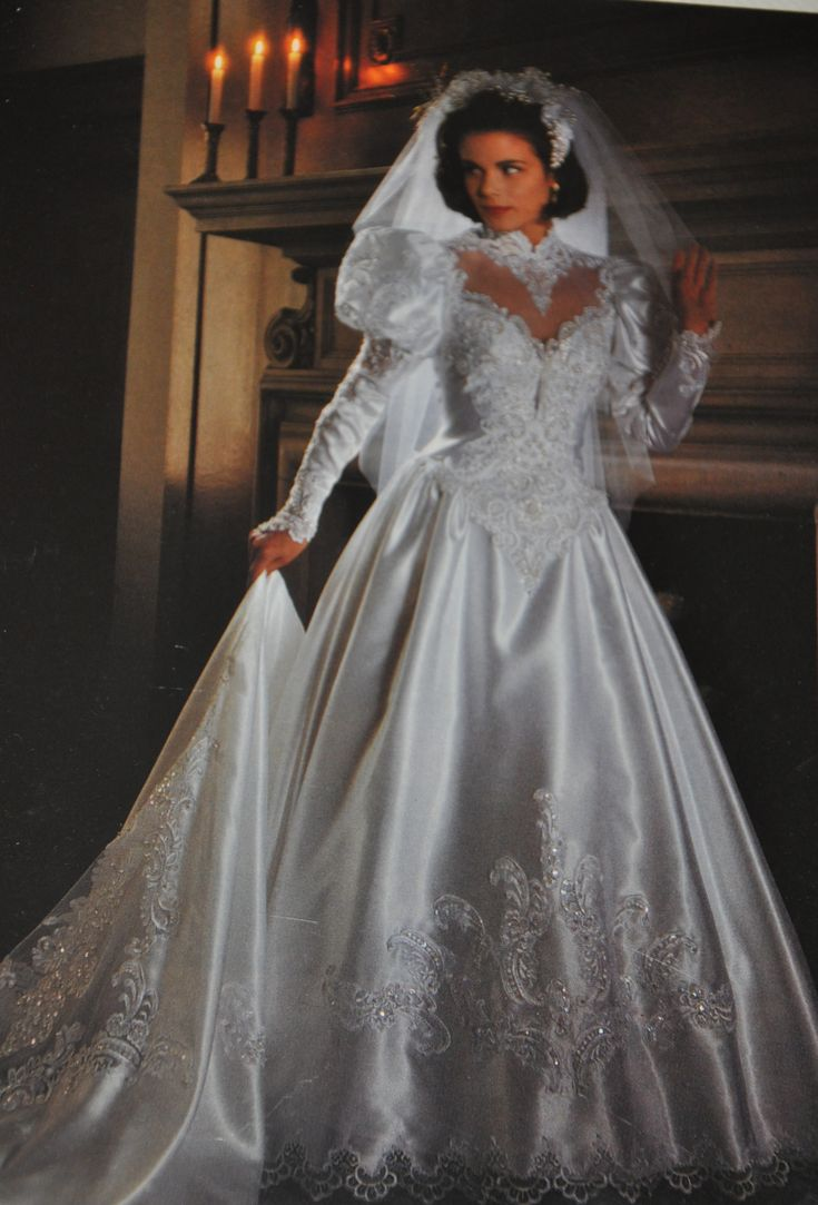 90s wedding dress, big shoulders and sleeves became a popular fashion in the 90's once again.