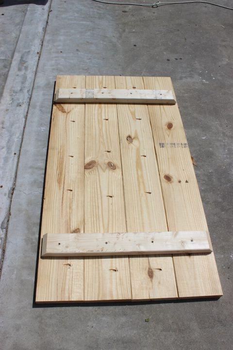 Sawhorse Coffee Table { Free DIY Plans – #Coffee #…
