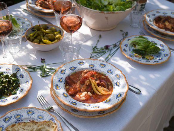 Natalia dinner set by Lorenza - www.sbigoliterrecotte.it