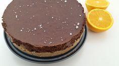 Wha, dit is echt een heerlijke chocolademoussetaart! En je hoeft er geen nee tegen te zeggen want de taart is voedzaam en gezond! Bekijk het recept hier.