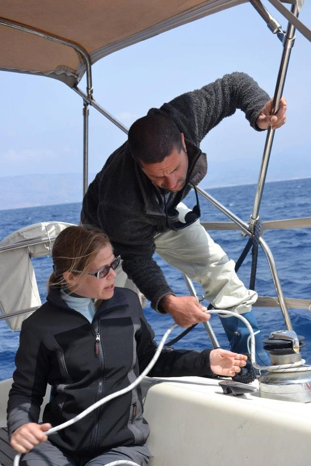 Learn how to sail while having a holiday with us