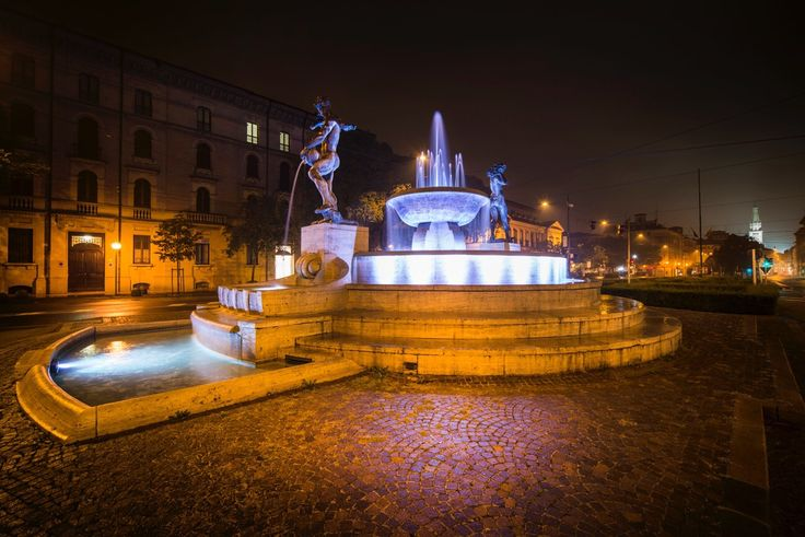 Modena, fontana dei 2 fiumi! #modena