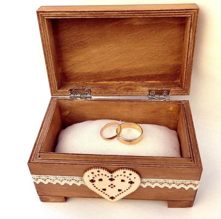 petit coffret à bijoux en bois pour alliances mariage : Presentoir, boîtes par mariageboheme
