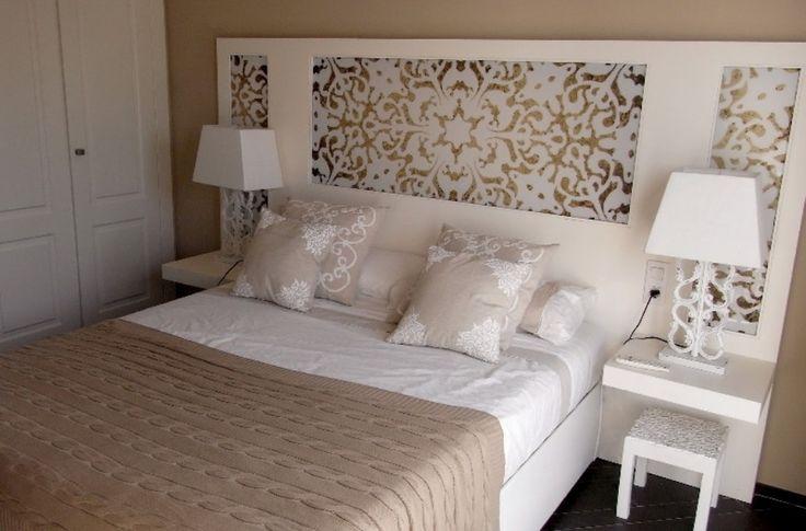 Las 25 mejores ideas sobre papel pintado antiguo en - Forrar cabeceros de cama ...