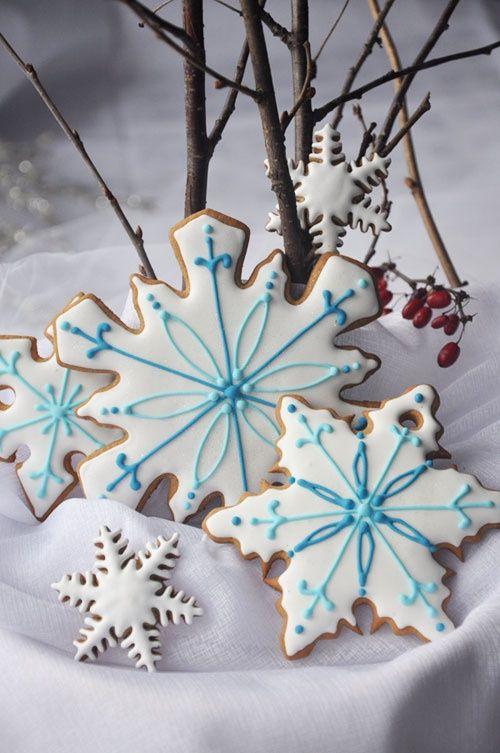 snow cookies - no recipe but pretty decorating idea