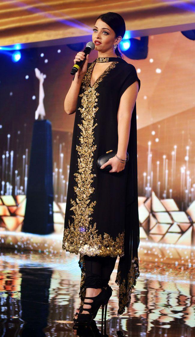 Aishwarya Rai Bachchan at the L'Oreal Paris Femina Women Awards 2015. #Bollywood #Fashion #Style #Beauty