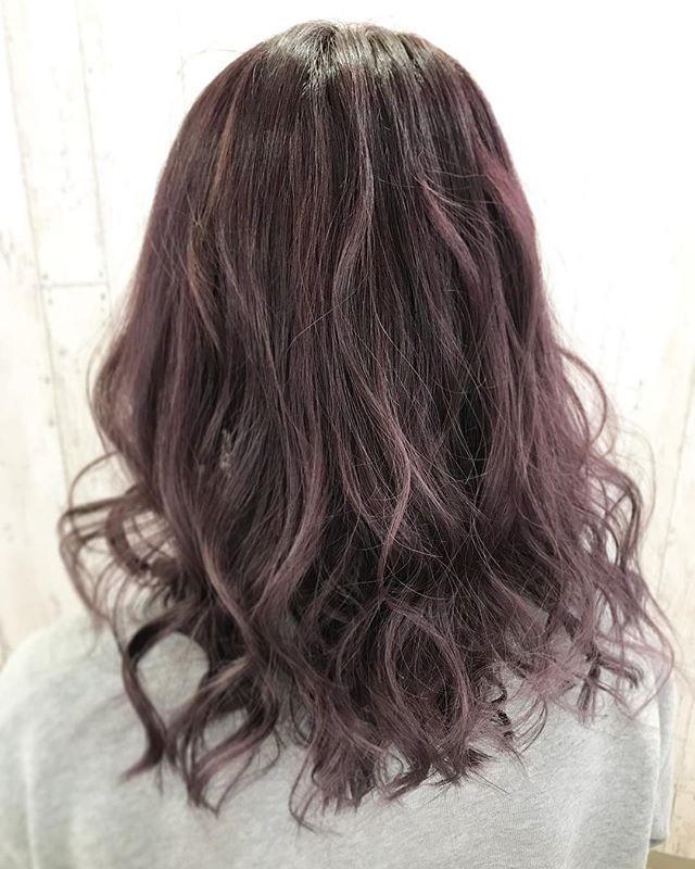 ピンクパープルアッシュ 透き通るような透明感と くすみの強いピンク