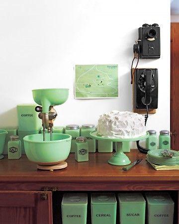 jadeite: Jadeite Green, Dreams Kitchens, Vintage Kitchens, Vintage Jadeite, Jadeit Collection, Martha Stewart, Milk Glasses, Cakes Stands, Jadeit Kitchens