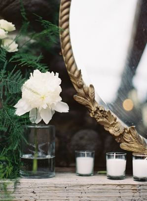 pretty and dainty details Photo by Ozzy Garcia Photography  via Oncewed