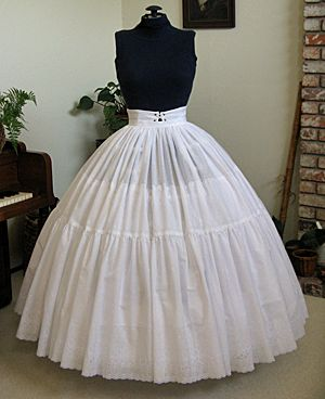 FREE Vintage Hoop Petticoat Sewing Pattern and Tutorial