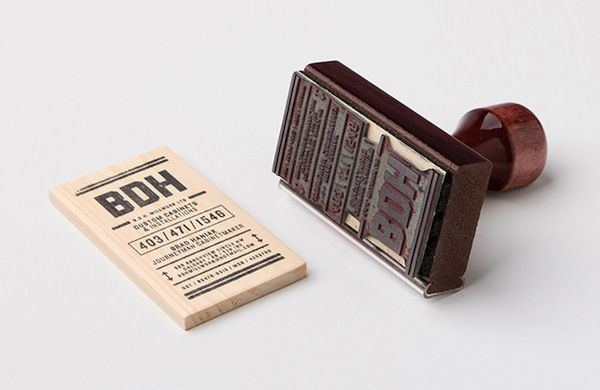 Canadian carpenter uses left over wood and a stamp to create business cards #visualidentity #creativemarketing