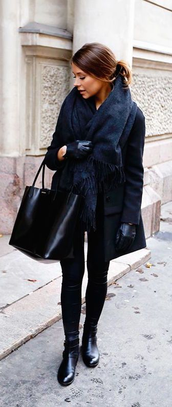 #winter #fashion / all black everything + faux fur scarf