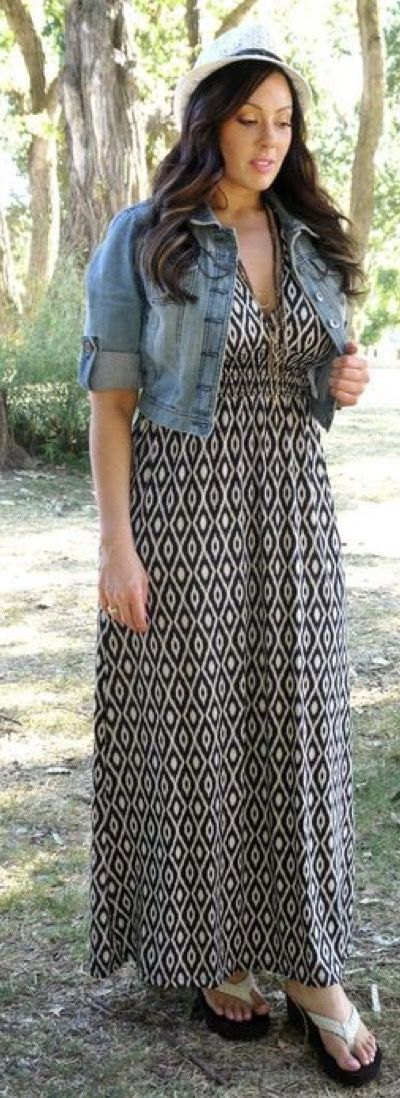 Cute summe maxi dress with a denim jacket. Spring/summer 2017 inspiration.Try Stitchfix subscription box! Best personal styling service. Fill out your style profile, schedule a fix and enjoy! Tell your stylist to send you something like this. #sponsored