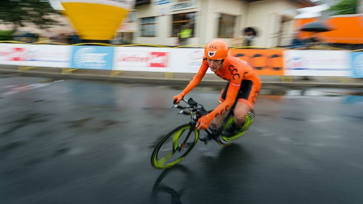 """Giro d'Italia: Jarosław Marycz miał poważny wypadek. """"Nie pamiętam niczego"""""""