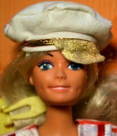 180.17 Lucky 1990 China matroos | Barbie (achtige) | Bananendoos