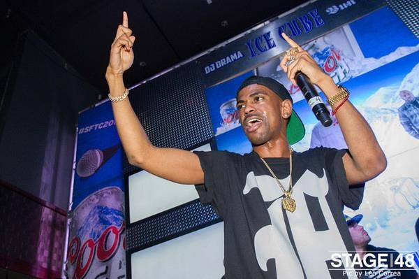 #BigSean  bringing Detroit to #nyc for his performance at #stage48  #ohgod #whoa #swerve #sftc2013