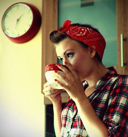 red bandanna vintage style: Little Things, Retro Looks, Best Friends, Red Bandanas, Red Nails, Pinup, Rosie The Riveter, Pin Up, Hair