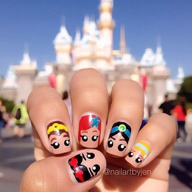 In honor of Aladdin being released on Bluray and DVD today, here's my #DisneyPrincess nails I did a couple years ago!✨💅🏽👑💖🏰 #Aladdin #disneynails #DisneylandNOTD #princessnails #jasminenails #snowwhite #ariel #cinderella #belle