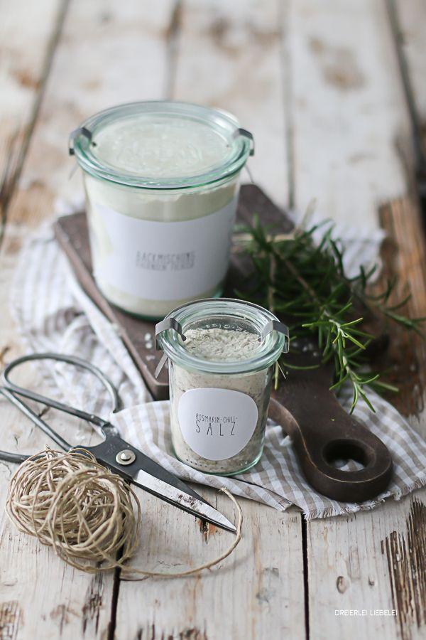 Brot und Salz zum Umzug {Chili-Rosmarin-Salz + Backmischung für Italienische Focaccia + Freebies}