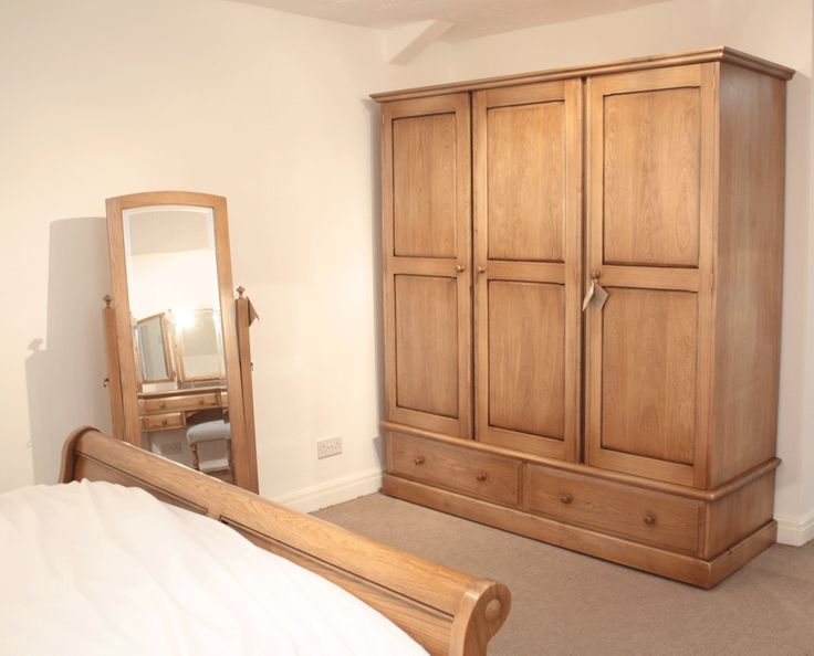 15 best images about wardrobes on pinterest ikea wardrobe bedrooms and wardrobes for Wooden wardrobe designs for bedroom