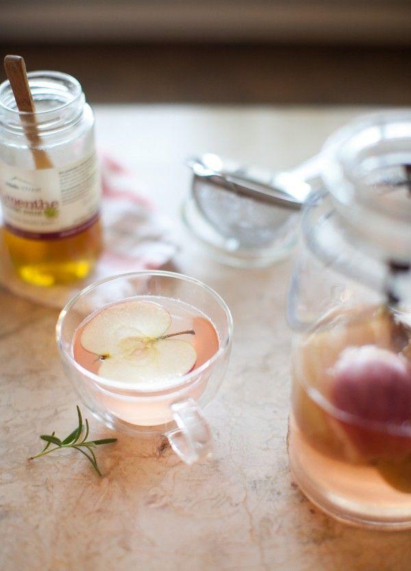 Roasted Apple Rosemary Tisane on www.simplebites.net #apples #tea