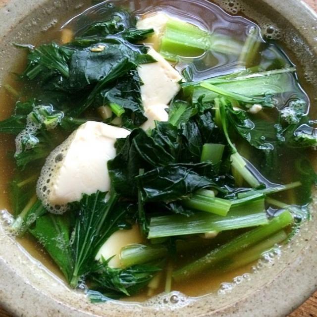 豆腐と小松菜の濃いダシのお吸い物‼︎ お弁当のご飯に使ったカレイの干し物の頭と中骨でダシをとりました。旨味が押し寄せて来ました♬ (▰˘◡˘▰)☝︎ - 60件のもぐもぐ - 糖質制限ダイエットな朝ごはん‼︎ by Yoshinobu Nakagawa