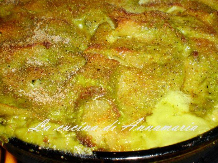 Paccheri con pesto di zucchine, ricotta e provola gratinati, ricetta primi