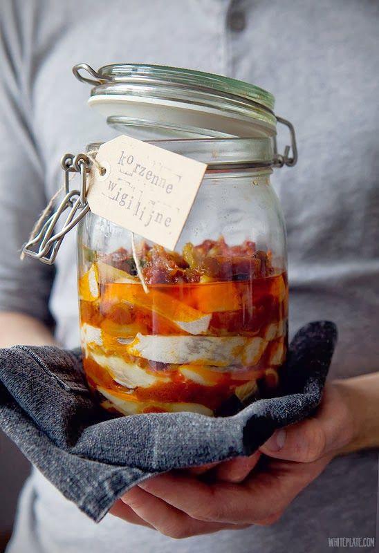 Śledzie: szwedzkie, korzenno-pomidorowe, musztardowe – White Plate
