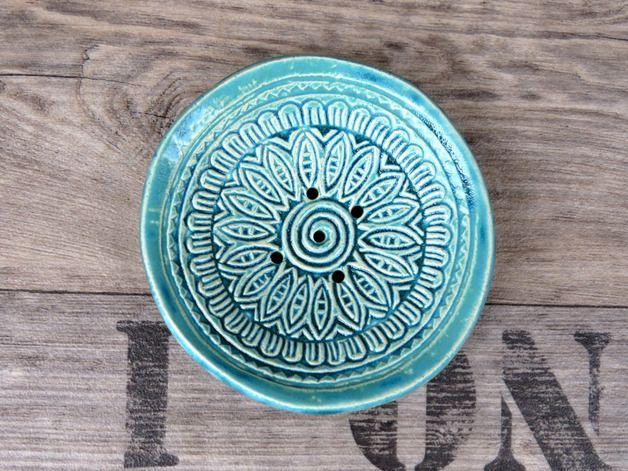 Badutensilos - Keramik Seifenschale, Schmuckschale kristallblau - ein Designerstück von gedemuck bei DaWanda