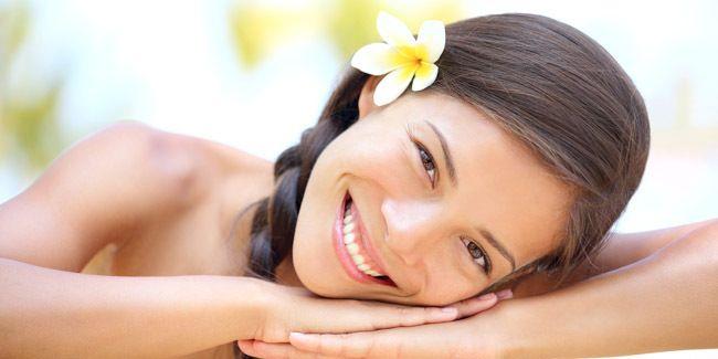Vemale.com - Untuk membuat wajah lebih cerah, daripada pakai kosmetik yang tidak jelas asal-usulnya, lebih baik pakai masker pepaya buatan sendiri.