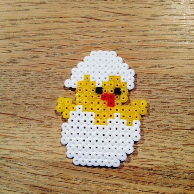 Easter chick hama mini beads by hasimausi47