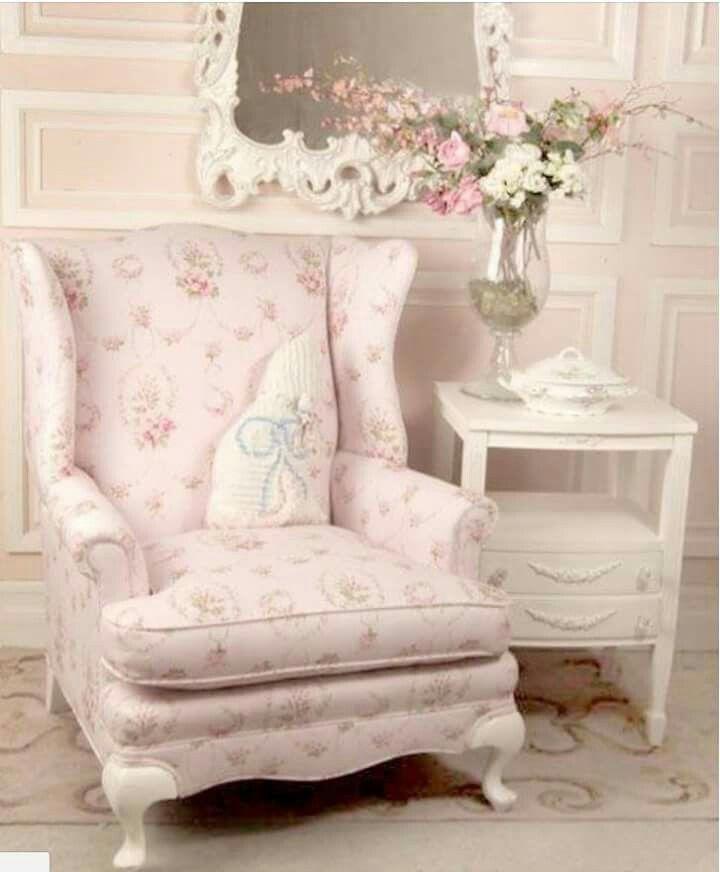 cosy shabby chic armchair home shabby chic pinterest ma maison d co maison et meubles. Black Bedroom Furniture Sets. Home Design Ideas