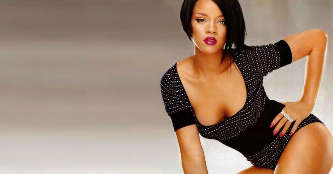 Todas las mujeres buscan verse y sentirse bien, y tener unos glúteos firmes es una de las mayores preocupaciones; sin embargo, los ejercicios para fortalecerlos requieren de cierta técnica. Conoce los secretos de Rihanna para ejercitar sus glúteos y mantenerlos en forma. De acuerdo con información de The Huffington Post, esta rutina consta de tres series de 20 a 25 repeticiones por cada ejercicio para que puedas ver los resultados. 1. Levantamiento lateral y hacia atrás: Párate con los pies…