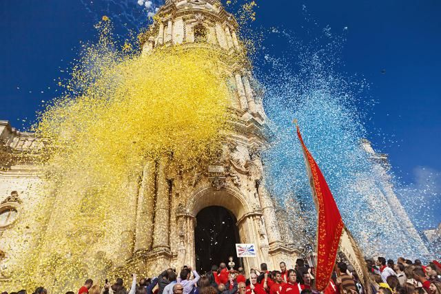 Find dates for Italian festivals and holidays in Italy. Here's information about popular and unusual Italian festivals in Italy listed by month.