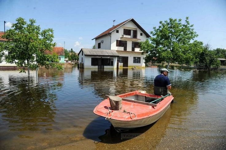 Pompierii timisoreni s-au intors din Serbia dupa o saptamana in care au luptat cu apele