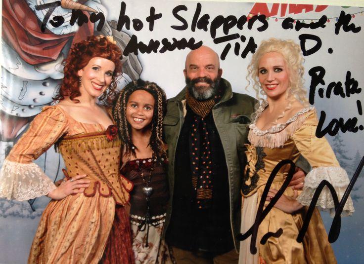 Scarlett & Giselle NL and Tia Dalma with Lee Arenberg