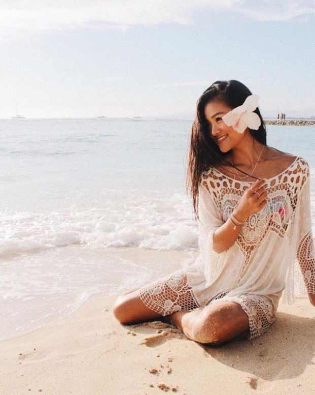 2328d1d302 Cute beach outfits that are perfect for this summer! Cover ups, crochet  dresses and white rompers are all super cute beachy outfits to wear for the  beach.