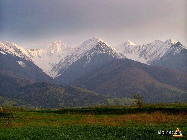 Fagaras Mountains, view from Vistea village, Romania