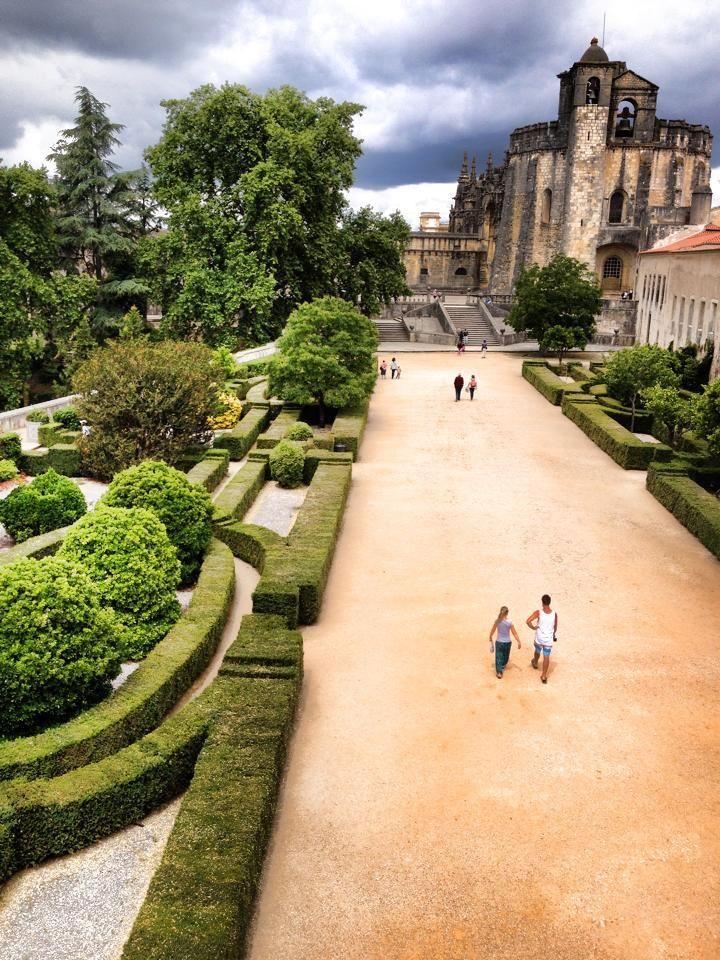 Walking in Covento De Cristo. Tomar, Portugal. #Travel #Portugal
