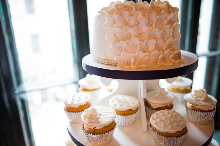 Paula and Mike's wedding cake!