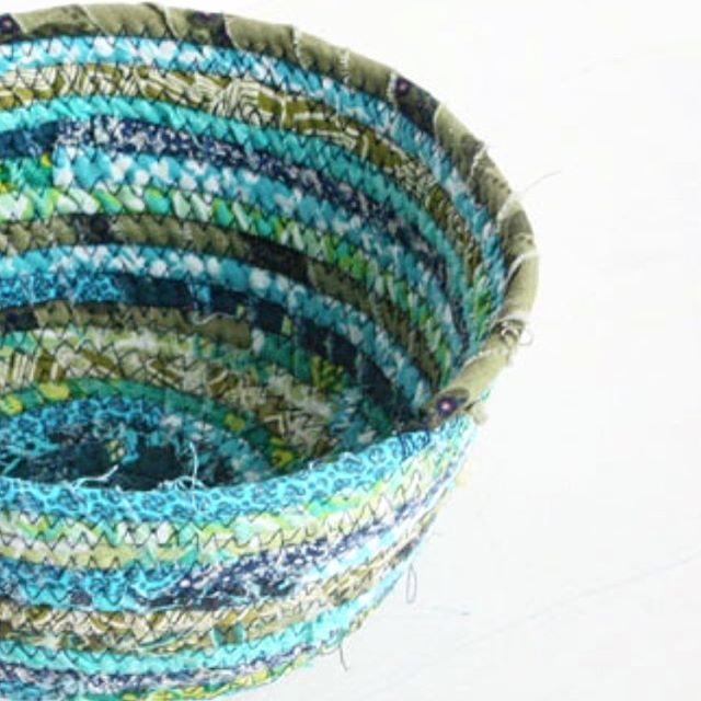 My rope bowl tutorial has been popular this week thanks to @sewcanshe ! I always appreciate when Caroline features a tutorial and sends her lovely readers to my site. I've updated a couple of older links in the post with some new inspiration. Just search