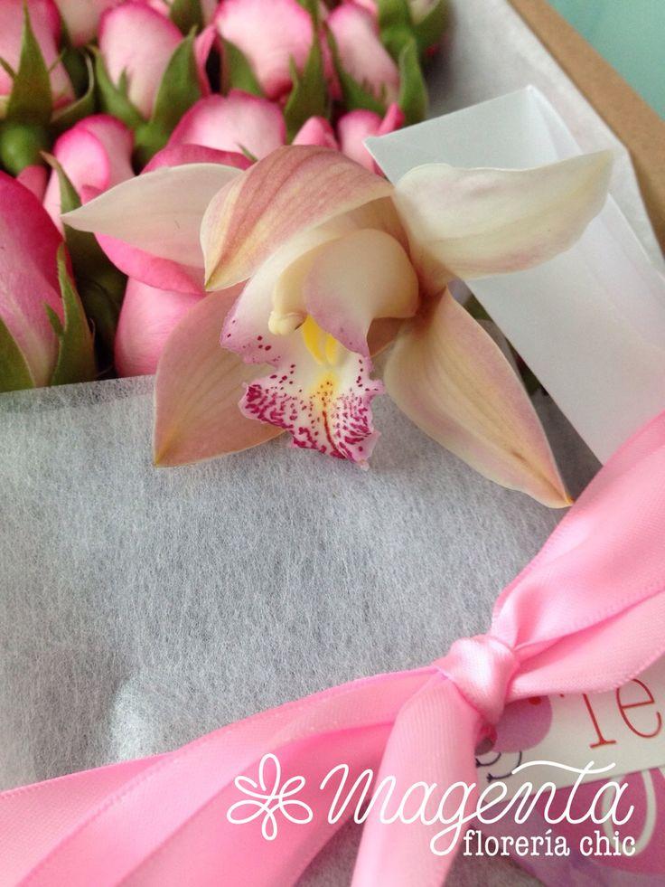 www.floreriamagenta.com CAJA DE ROSAS QUE ENAMORAN  #arreglo #globos #ocacionEspecial #amor #mujer #pareja #regalo #detalle #lujo #pasion #flores #floreria #ramosDeNovia #novias #eventos #bodas #rosas #mexico #puebla #diseñoFloral #floreriaMagenta #artefloral #paraMiAMOR #TEAMO #NATURALEZA #FUSION #ARMONIA www.floreriamagenta.com