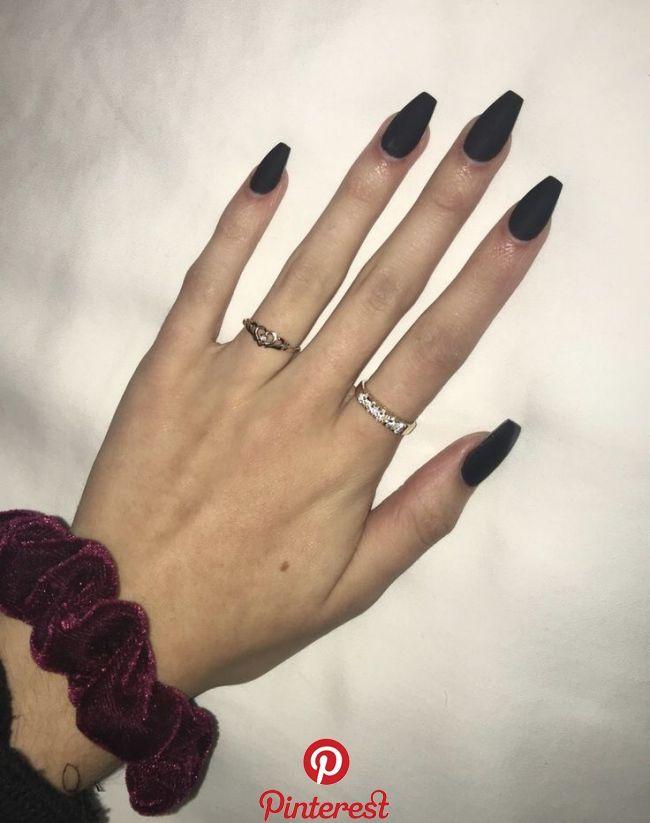 Matte Black Coffin Shaped Nails Fallnails Nails Caitlin S Pics In 2020