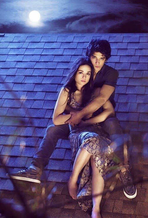 So cute! Allison and Scott ❤ I miss this times...