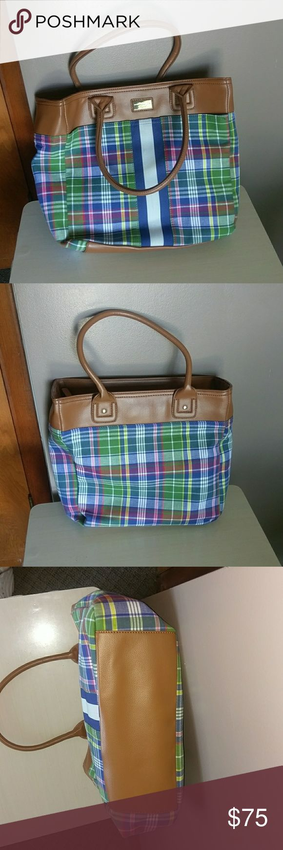 Tommy Hilfiger  bag Plaid original Tommy Hilfiger bag ! Excellent condition- better than like new! Tommy Hilfiger Bags Totes