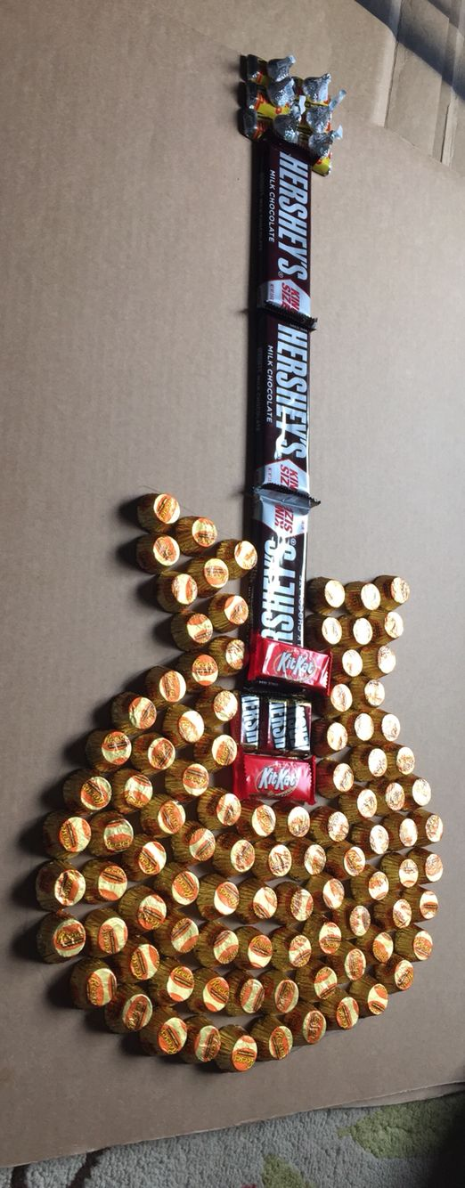Candy guitar - would be a great decorations/party favor for a teen birthday party