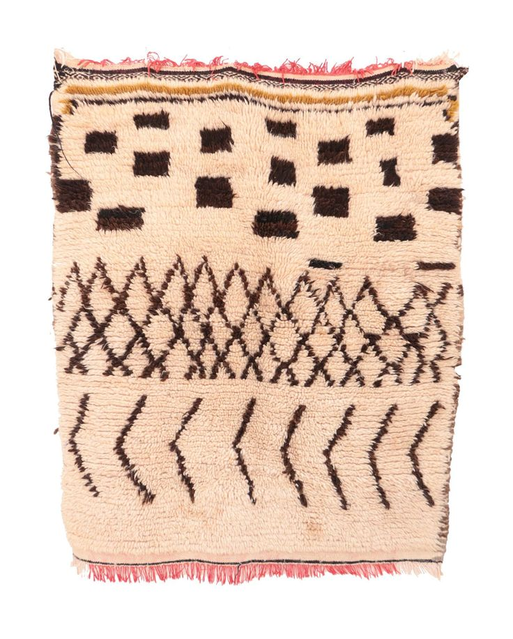 One of my favorite rugs from this week's batch -- currently available on hawazine.com:http://bit.ly/2eKoWJS#moroccanrug . . .   #rugsnotdrugs #tribalchic #interiordesigner #interiordecor #modernhome #sodomino#mydomaine #london #stylemepretty #flashesofdelight#styling #thatsdarling #pursuepretty #ihavethisthingwithtextiles #finditstyleit #livethelittlethings #pursuepretty #boholuxe #bohohome #bohemianhome#bohemianstyle #dscolor #dsnicerug #dstexture #mycovetedhome#myhousebeautiful…